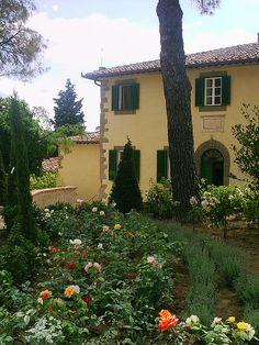 "Villa Laura - Tuscany - Cortona www.villavacations.com/italy/tuscany/setuscany/laura/laur... used in the filming of ""Under the Tuscan Sun"""