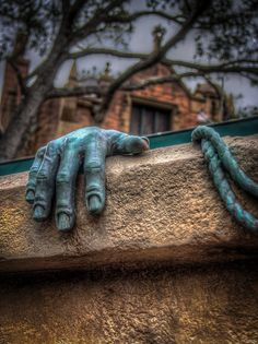 Haunted Mansion - Disneyland.