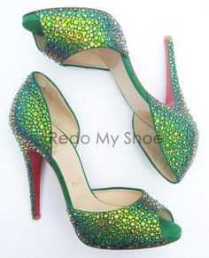 already saw one of these shoes go by...they are so gorgeous I'm pinning them again...a pair!