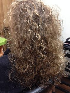 absolutely gorgeous perm with loose curl More