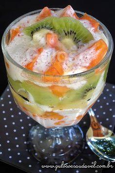 Receita de Salada de Frutas com Creme de Iogurte