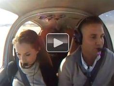 Guy tells girlfriend their plane is crashing, proposes (Video)