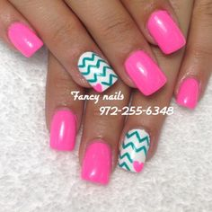 Chevron heart nails<3