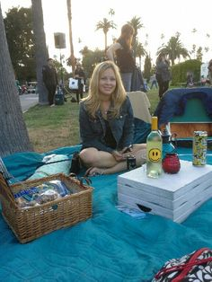 Picnic at Hollywood Forever Cemetery and watch a movie! Bring lots of blankets, munchies and wine!!! Summer in Los Angeles @ Cinespia