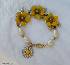 Vintage Rhinestone and Pearl Daisy Bracelet~