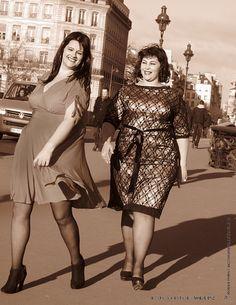 Curves on the sidewalk  Velvet D'Amor VOL-UP-2