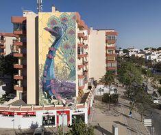 Gargantuan Street Murals by Aryz  http://www.thisiscolossal.com/2014/04/gargantuan-street-murals-by-aryz/