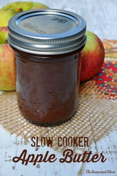 Easy Slow Cooker Apple Butter: Leave it to simmer overnight while you sleep, and you will wake up to the most delicious fall treat and a house that smells divine!
