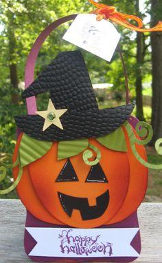 An adorable jack-0-lantern!
