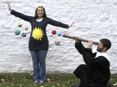 Pregnant mama as the sun and planets. Hubby as Galileo. LOVE. {Cool Homemade Costumes!} – Modern Kiddo