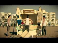 """The Baseballs: """"Candy Shop"""" (Official Videoclip) - YouTube"""