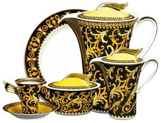 Gorgeous tableware collection by Versace