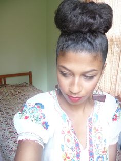 high bun, how to put bun on natural hair, around the way curls, protective styles