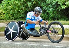 Alex Zanardi on the way to victory in the #handcycling time trial at the 2014 UCI #Paracycling World Championships. Amazing athlete and interesting machine!