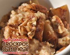 Overnight Oatmeal that will not burn in the crockpot! Apple Cinnamon Steel Cut Oatmeal #Crockpot #Slowcooker