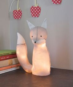 DIY Foxy Lamp - this is AMAZING.