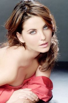 Brunette Italian actress Vanessa Gravina