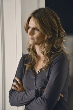 Stana Katic hair color