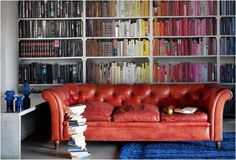 love how the books are arranged by color!!!