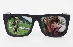 Sunglasses photo frame.