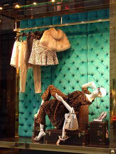Louis Vuitton Visual Merchandising, Window Display, New York ...