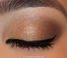 Golden brown fall look from the Naked Pallete add a pop of hot pink from the beauty book into crease and complete -make up tip from Geo Derma by brittani dedios