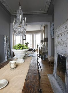 Décor de Provence- love the pop of green