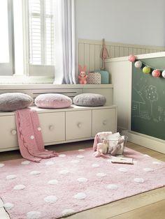 Alfombra lavable niña http://www.mamidecora.com/alfombras-infantiles-lorena-canals.html