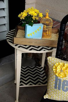 This chevron vinyl pattern on a table is fun ...