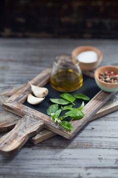 Ingredients for pesto avacado spread