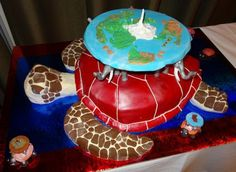 Fantastic Discworld cake from NAIV. You can also see the Pratchett Partisans logo there too :-)