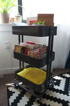Small spaces need flexible solutions. Store everything from books to blankets to office supplies in this RÅSKOG cart – wheel it where you need it!