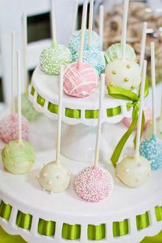 Pretty cake pops.
