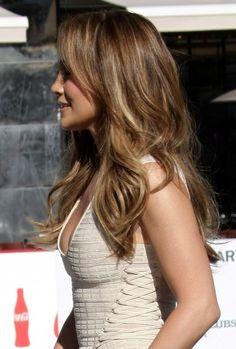 Jennifer Lopezs gorgeous, long hairstyle