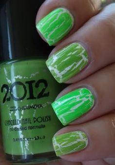 crackle nail polish love it.......