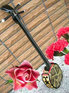 Shamisen - 3 string Japanese guitar