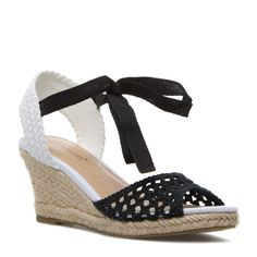Black and White Wedge