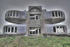 三芝飛碟屋 the UFO house in Sanjhih by cypherone - Taiwan, via Flickr
