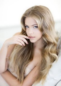 Love this natural blonde hair color.