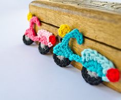 Applique Crochet Pattern with Text instructions and SYMBOL CHART instructions, easy to follow.