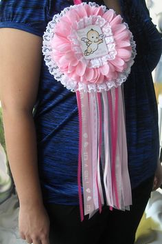 Very cute idea for ruffles around the mum and pic.