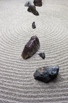 Rock garden at Myōshin-ji Temple, Kyoto, Japan  Learn more about Japanese garden gravel patterns: http://www.japanesegardens.jp/explanations/000106.php
