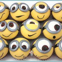 minions, minion cupcakes, edible crafts, birthdays, minion cakes, cake pops, parti, dessert, cake toppers