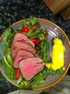 Mustard brown sugar tenderloin salad with asparagus and béarnaise