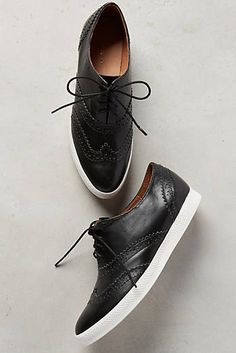 All Black Wingtip Sn