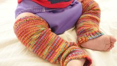 Baby Frog Legs Baby Legwarmers, free knitting pattern! size 2 needles and sock yarn, fingering weight.