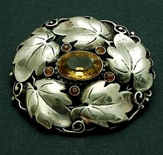 THEODOR FAHRNER - Brooch with facet cut citrins