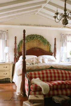 Love the ceiling!! FRENCH COUNTRY COTTAGE: Decking the halls @Courtney Baker Baker French Country Cottage