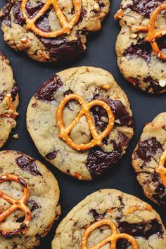 chocolate chip pretzel cookies // yep, these seem like a really good idea!