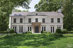 Suzanne Kasler's Atlanta home. William T. Baker renovation in Architectural Digest.
